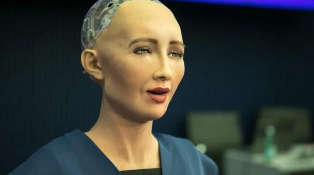 Robotit valtaavat Maan